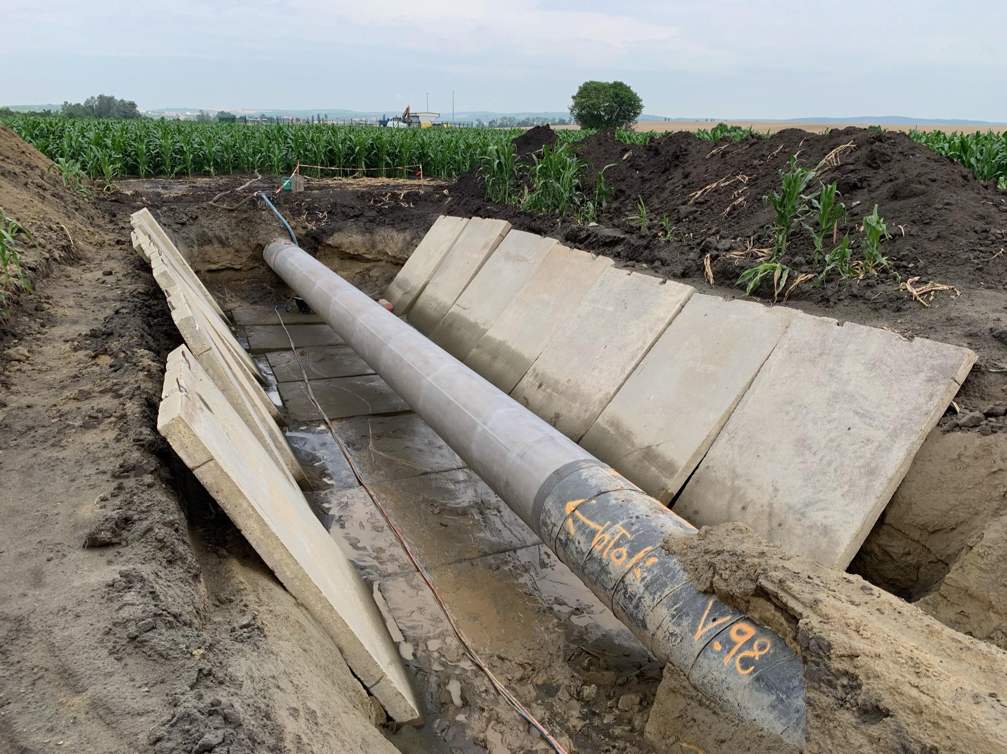 Tryskání plynového potrubí vterénu